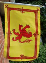 HAND WAVING FLAG - Scotland Lion